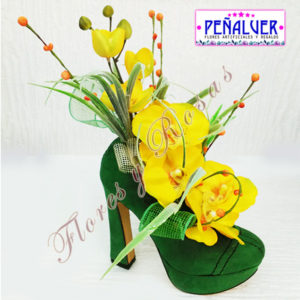 Zapatos decorados con orquídeas. Ideal enamorados - RF00494